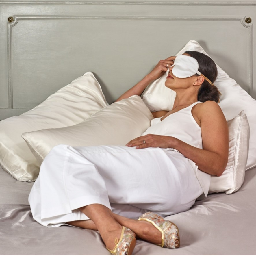 https://www.holisticsilk.com/eye-masks